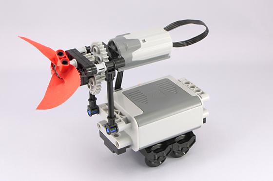 Treno Lego con propulsione ad elica